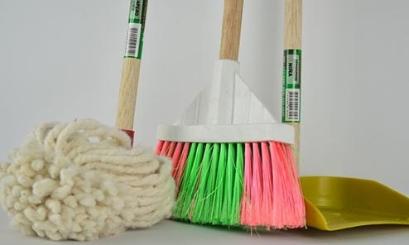 how to clean engineered hardwood
