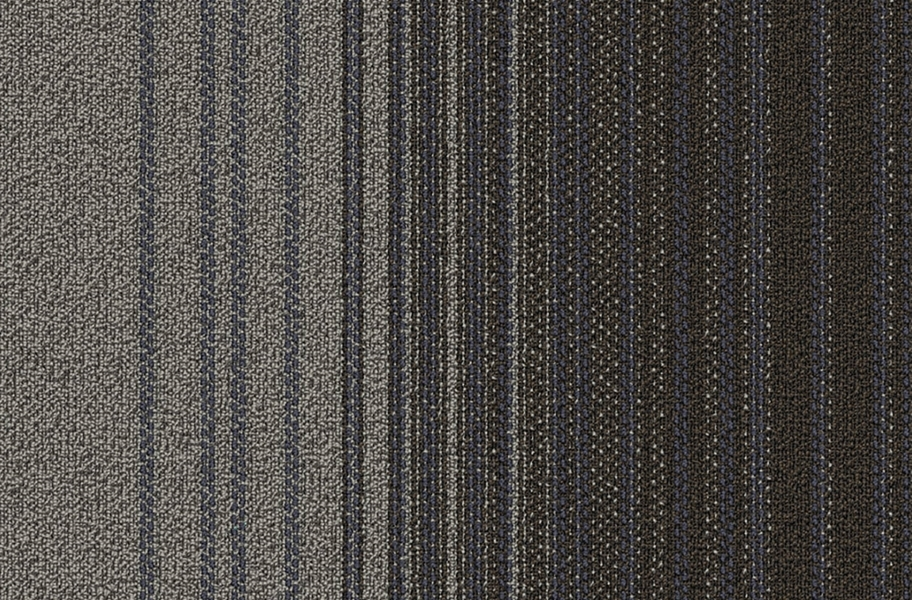 Fluid Carpet Tile - Focus