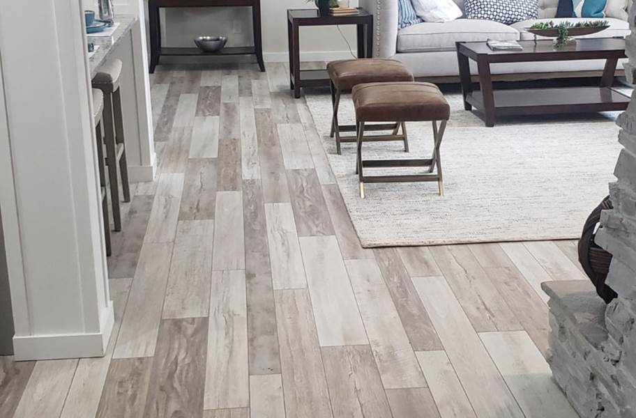 13.5 mm Estate WaterResist Laminate