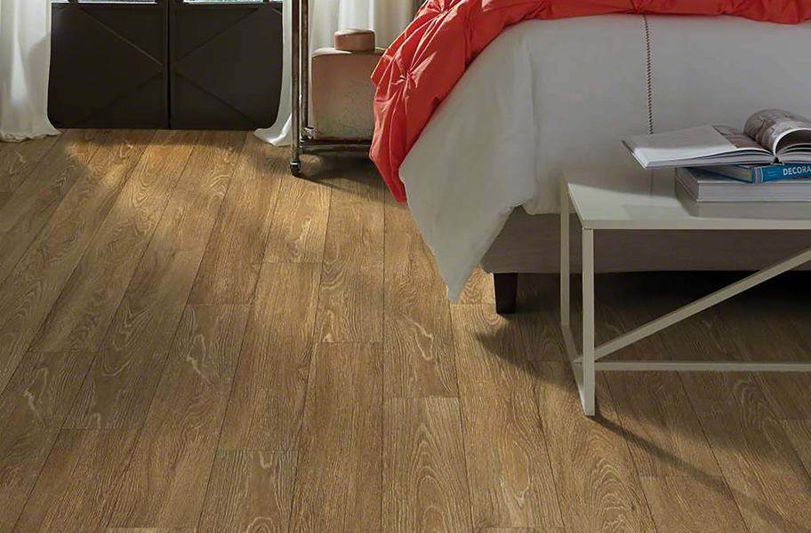 Shaw Uptown Now Plus Waterproof Plank - Rush Street