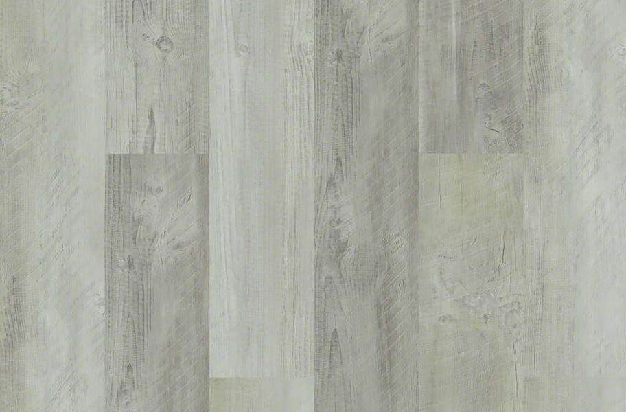 Shaw Cross Sawn Pine HD Plus Rigid Core - Reclaimed Pine