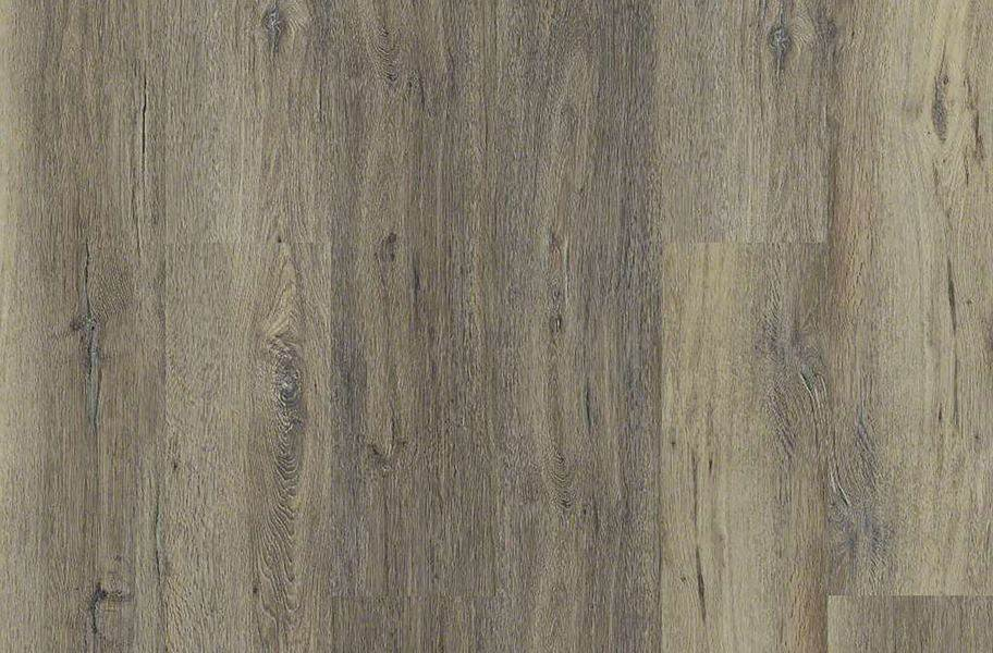 Shaw Heritage Oak HD Plus Rigid Core Planks - Sandy Oak