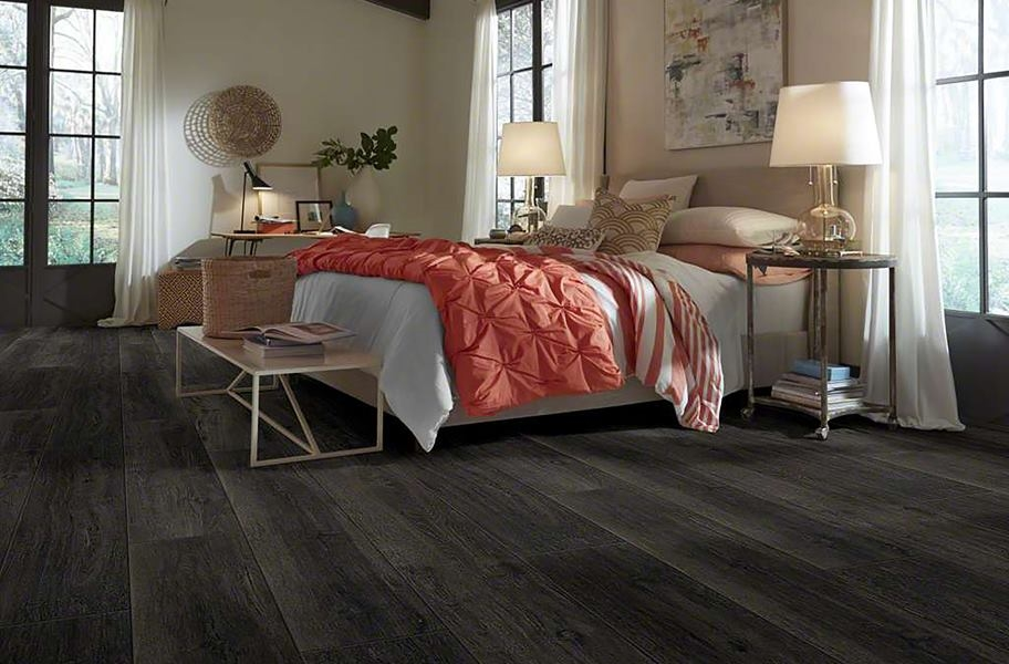 Shaw Heritage Oak HD Plus Rigid Core Planks - Bur Oak
