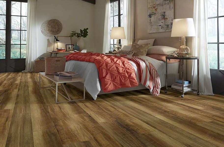 "Shaw Endura 512C Plus 7"" Rigid Core Vinyl Planks - Grey Barnwood"
