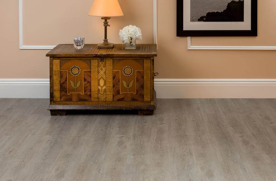 Nexus Peel & Stick Vinyl Planks - Light Grey Oak