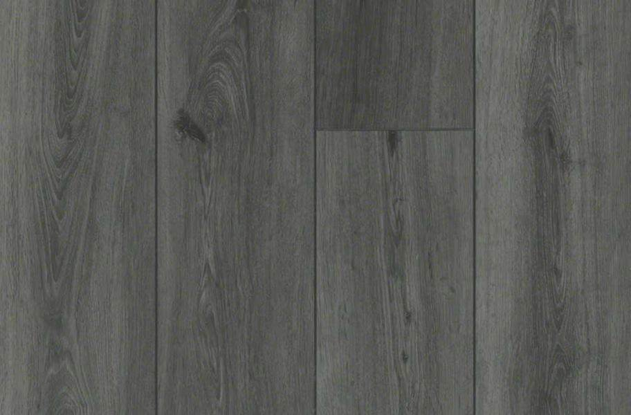 "Shaw Paragon Plus 7"" Rigid Core Vinyl Planks - Whitefill Oak"
