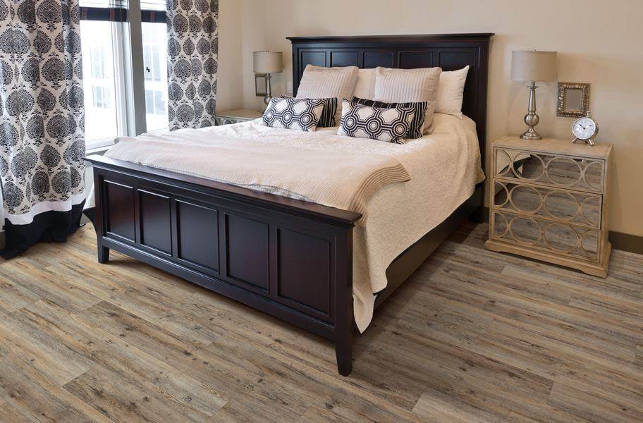 "Dixie Home 9"" XL Waterproof Vinyl Plank - Grand Oak"