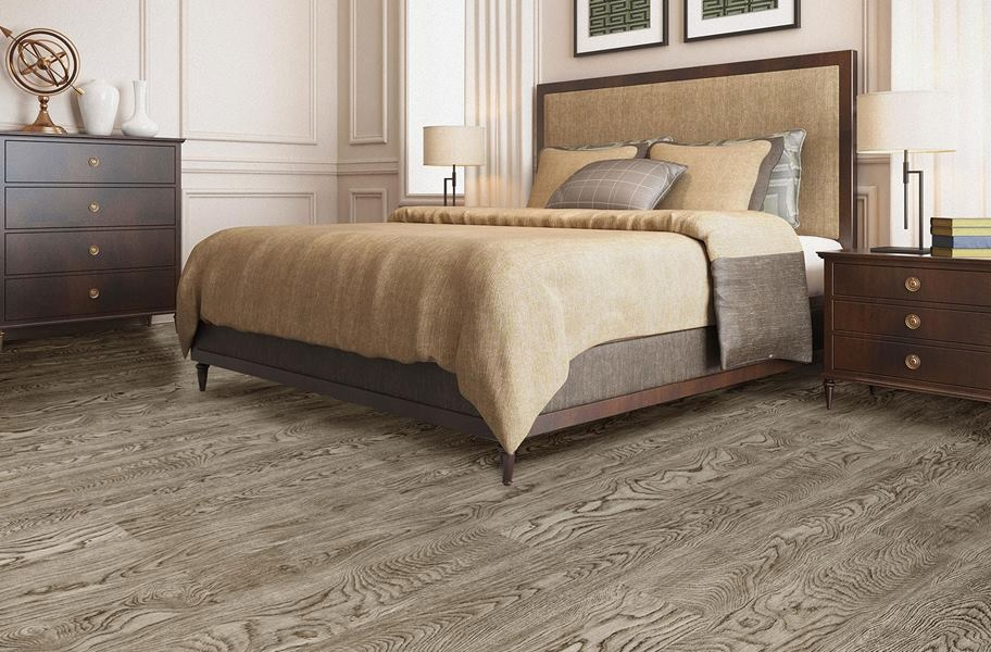 Cushion Grip Vinyl Planks - Virginian Oak