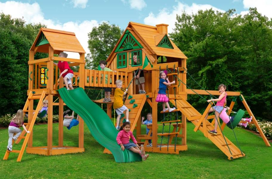 Pioneer Peak Playhouse - Treehouse with Fort add-on