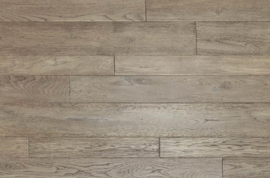 Johnson Hardwood Toscana Hickory Engineered Wood - Cecina