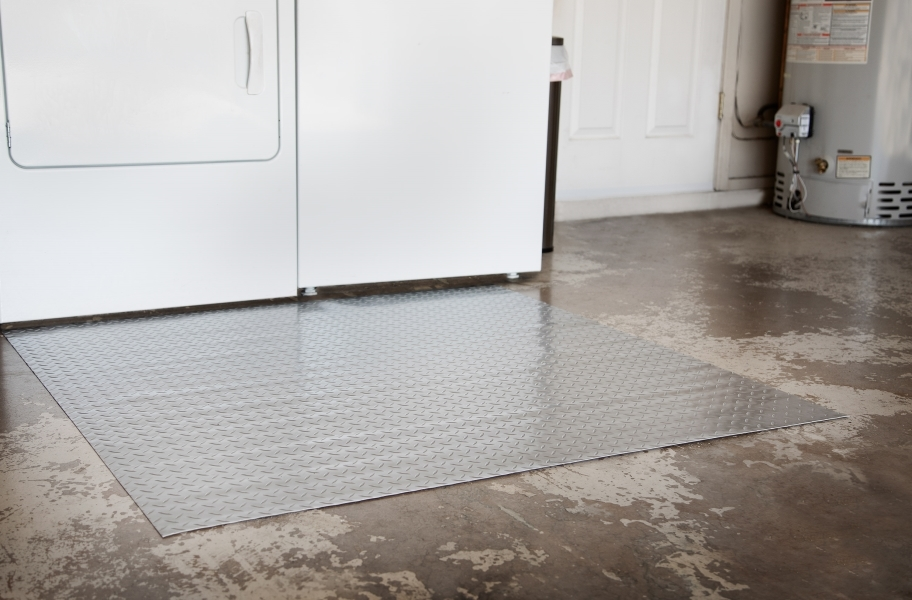 Diamond Nitro Garage Floor Mats