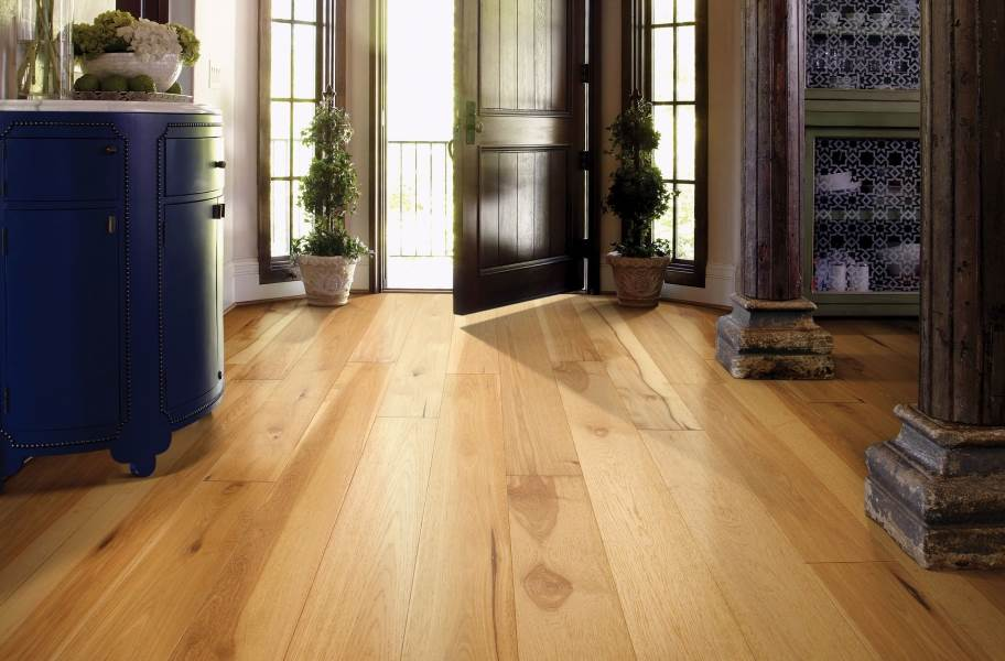 Shaw Castlewood Hickory Engineered Wood - Coat of Arms