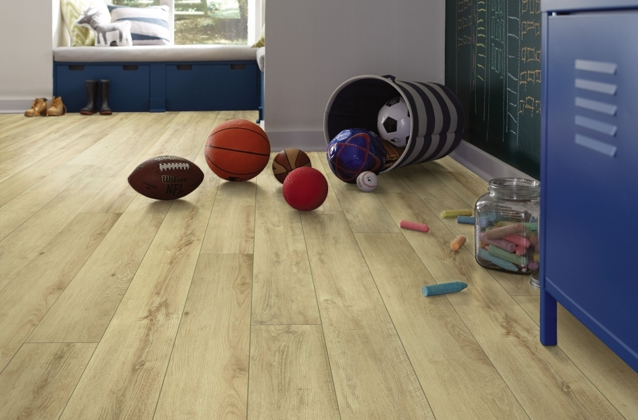 "Shaw Paragon XL HD Plus 7"" Rigid Core Vinyl Planks - Classic Oak"