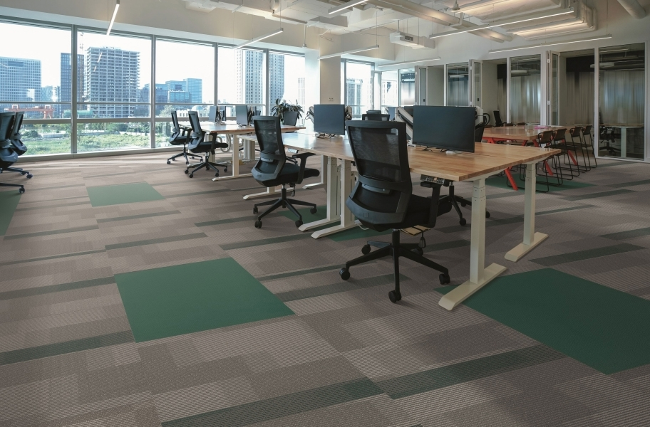 Pentz Amplify Carpet Tiles - Ocean Tropic with Colorburst Tile
