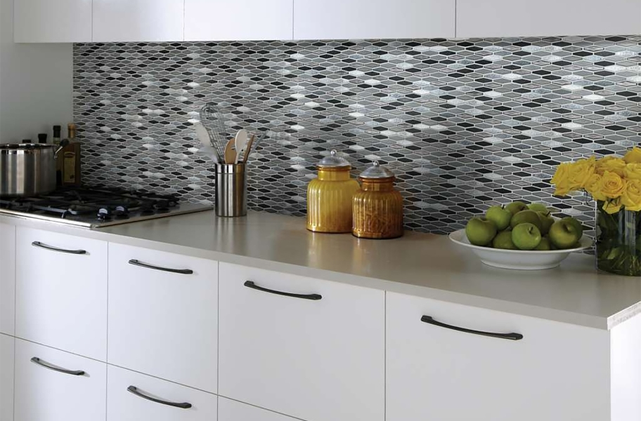 Shaw Molten Glass Mosaic - Stretch Hex Obsidian