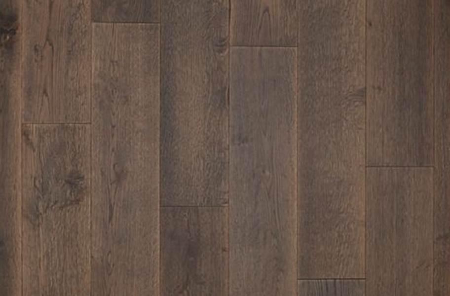 Mohawk Ultrawood Gingham Oaks Engineered Hardwood - Crescent Oak