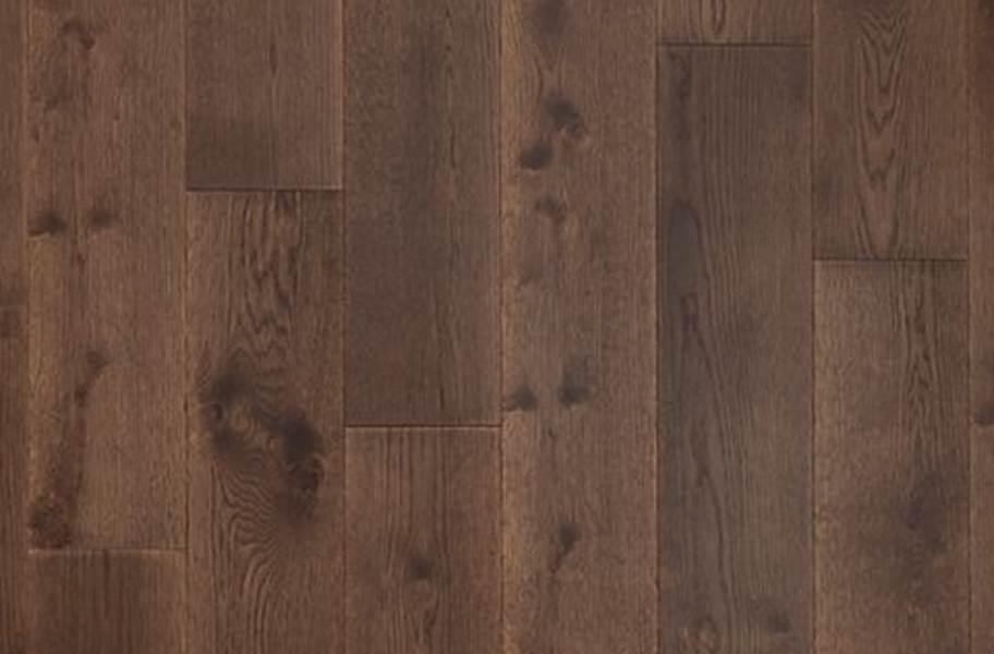 Mohawk Ultrawood Gingham Oaks Engineered Hardwood - Romano Oak