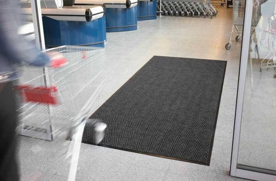 Arrow Trax Entrance Mat - Charcoal