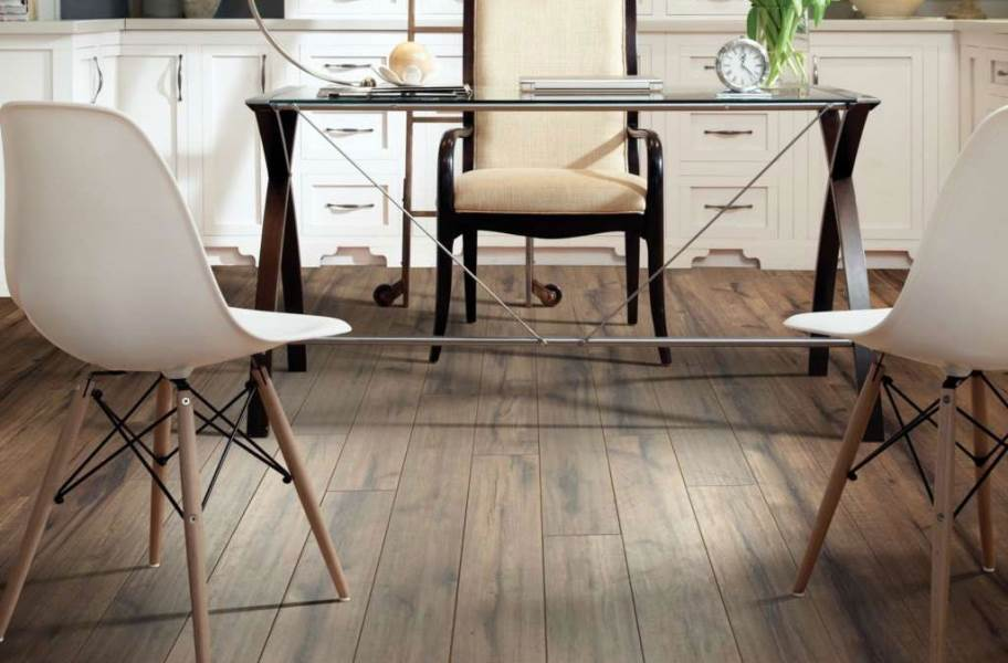 12mm Shaw Timberline Laminate Flooring - Trailing Road