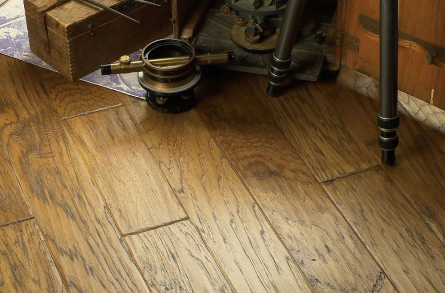 Shaw Vicksburg Hickory Engineered Wood - Cider