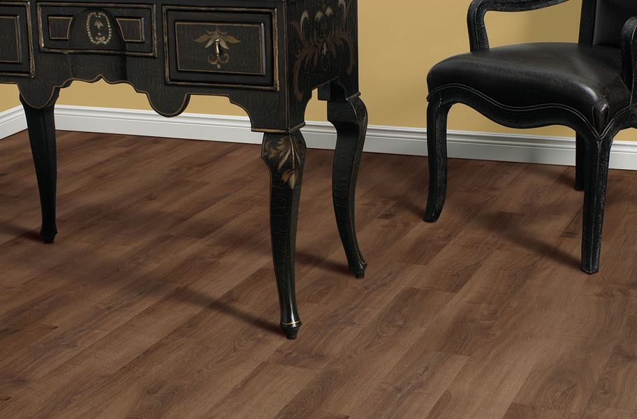 Mohawk Woodlands Vinyl Planks - Brandy Wine